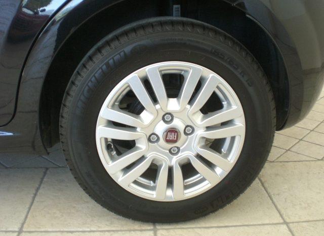 CIMG4644-640x466 Fiat Punto 1.2 8v LOUNGE 5 porte