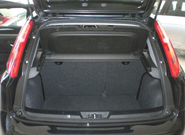 CIMG4647-640x466 Fiat Punto 1.2 8v LOUNGE 5 porte