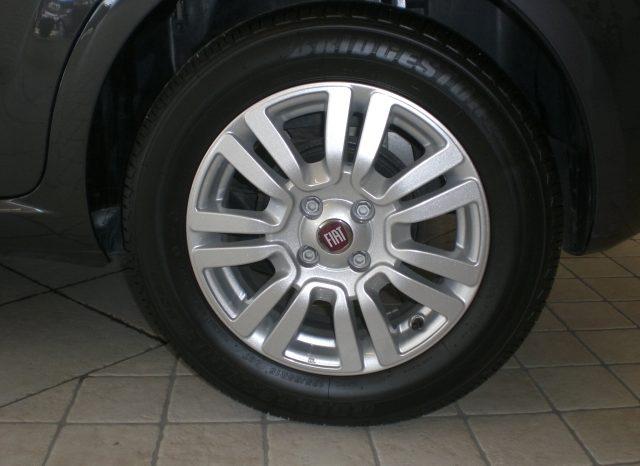 CIMG5233-640x466 FIAT PUNTO LOUNGE GPL 5 PORTE