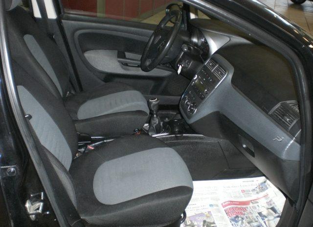 CIMG5797-640x466 Fiat Grande Punto 1.4 Dynamic 5 Porte Natural Power (Metano dalla casa)