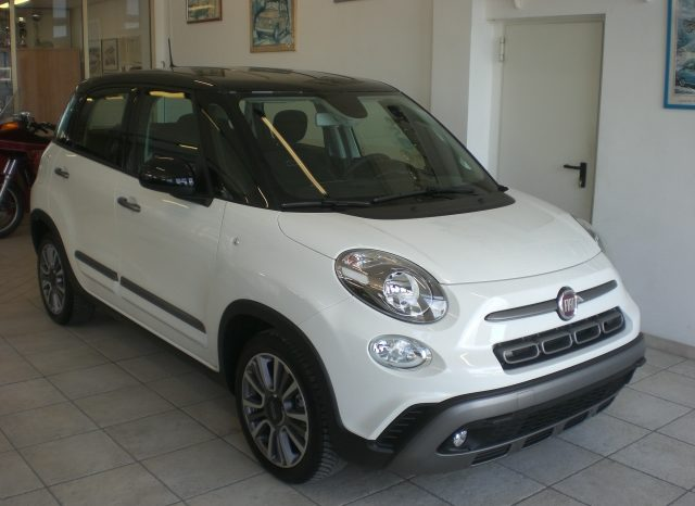 CIMG5930-640x466 Fiat 500 L 1.6 mjtd 120cv CROSS Bicolore+Car Play+ KM0
