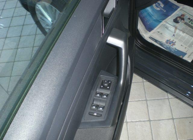 CIMG7243-640x466 Volkswagen T-Roc 1.6 TDI 116cv Business+NAVI+WINTER PACK+5 ANNI GARANZIA