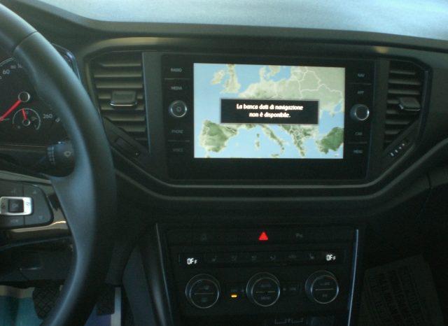 CIMG7247-640x466 Volkswagen T-Roc 1.6 TDI 116cv Business+NAVI+WINTER PACK+5 ANNI GARANZIA