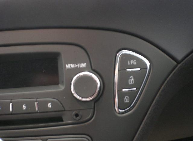 CIMG7267-640x466 Opel Corsa 5 p.  1.4 90cv GPL (DALLA CASA)